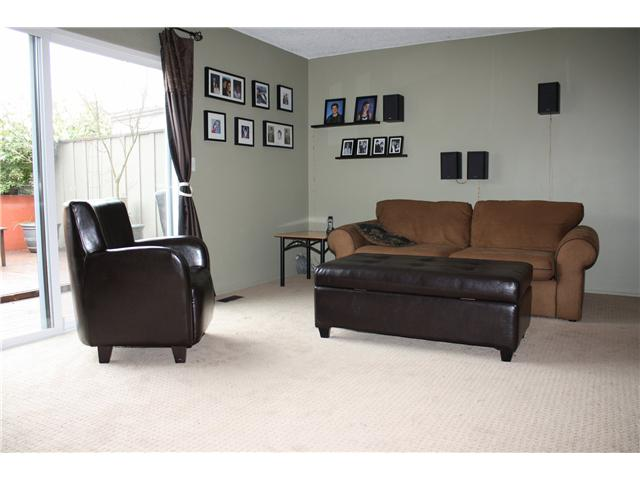 "Main Photo: # 41 3150 E 58TH AV in Vancouver: Champlain Heights Condo for sale in ""HIGHGATE"" (Vancouver East)  : MLS® # V882228"