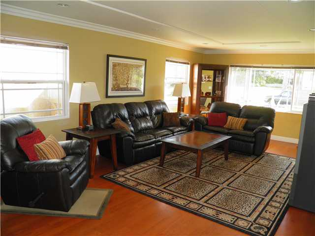 Photo 4: CHULA VISTA House for sale : 5 bedrooms : 160 Corte Maria