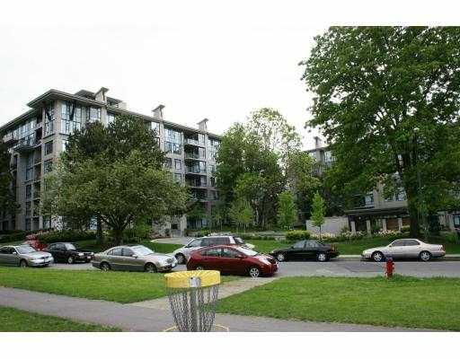 "Main Photo: 306 4759 VALLEY DR in Vancouver: Quilchena Condo for sale in ""MARGUERITE HOUSE"" (Vancouver West)  : MLS®# V595901"