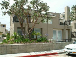 Main Photo: MISSION BEACH Residential for sale : 3 bedrooms : 817 San Gabriel Place in San Diego