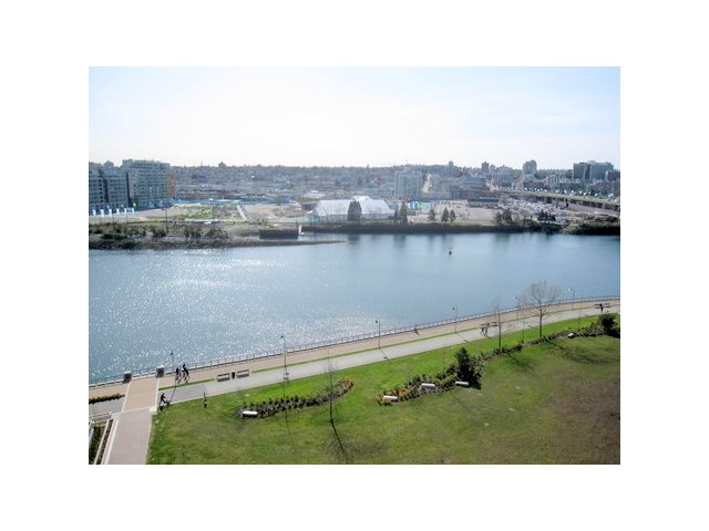 "Main Photo: 1203 918 COOPERAGE Way in Vancouver: False Creek North Condo for sale in ""MARINER"" (Vancouver West)  : MLS® # V865184"