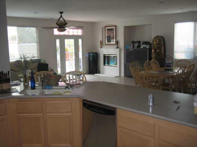 Photo 6: OUT OF AREA Residential for sale : 4 bedrooms : 36060 BLACKSTONE in WILDOMAR