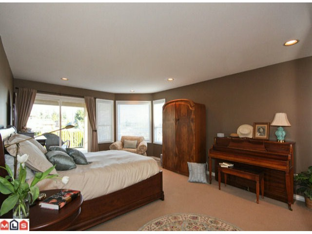 Photo 10: 990 KEIL Street: White Rock House for sale (South Surrey White Rock)  : MLS® # F1006671
