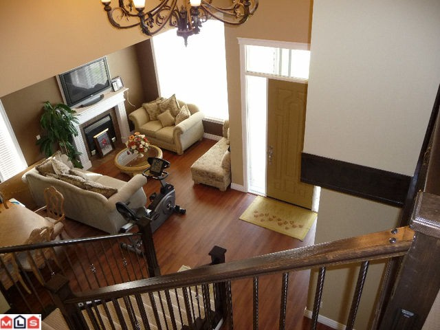 Photo 2: 27724 SIGNAL Court in Abbotsford: Aberdeen House for sale : MLS(r) # F1010383