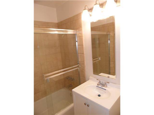 Photo 5: NATIONAL CITY House for sale : 4 bedrooms : 2032 7th