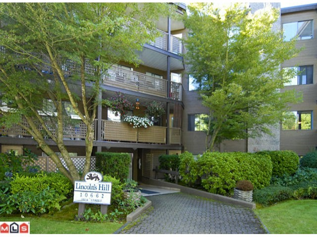 "Main Photo: 404 10662 151A Street in Surrey: Guildford Condo for sale in ""LINCOLN HILL"" (North Surrey)  : MLS®# F1023055"