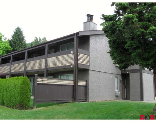 "Main Photo: 322 34909 OLD YALE Road in Abbotsford: Abbotsford East Townhouse for sale in ""THE Gardens"" : MLS® # F2821051"