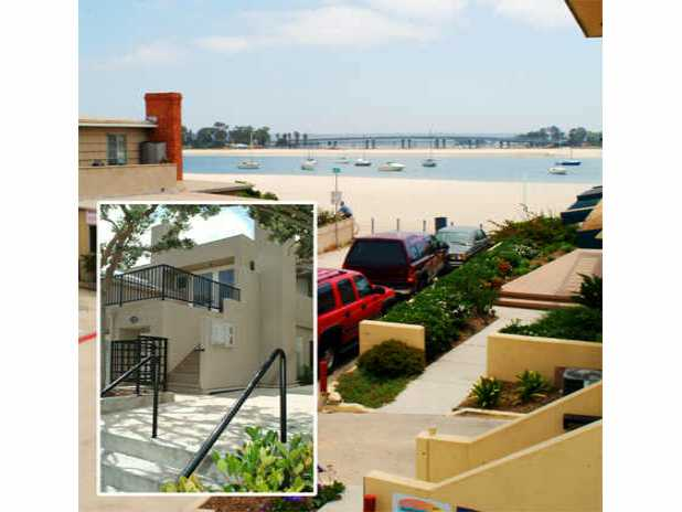 Main Photo: MISSION BEACH Residential for sale : 3 bedrooms : 819 San Gabriel Place in San Diego