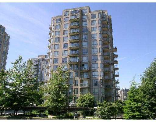 "Main Photo: 801 838 AGNES Street in New_Westminster: Downtown NW Condo for sale in ""WESTMINSTER TOWER"" (New Westminster)  : MLS(r) # V737190"