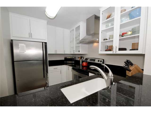 Photo 2: UNIVERSITY CITY Condo for sale : 2 bedrooms : 7405 Charmant #2231 in San Diego