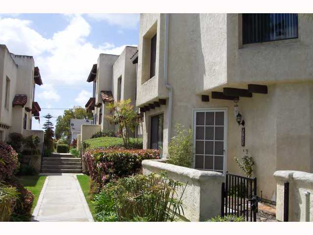 Photo 2: PACIFIC BEACH Condo for sale : 3 bedrooms : 1955 Diamond
