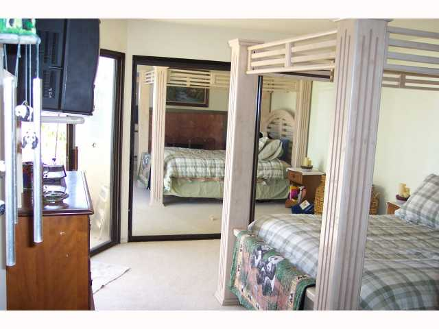 Photo 9: PACIFIC BEACH Condo for sale : 3 bedrooms : 1955 Diamond