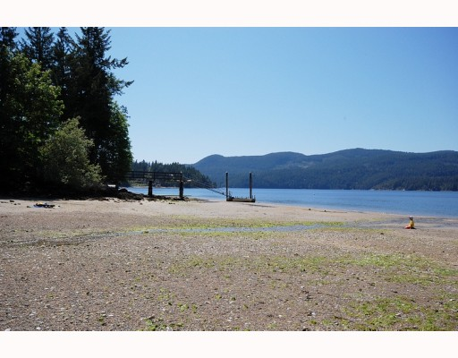 "Photo 3: Photos: 5954 TILLICUM BAY Road in Sechelt: Sechelt District House for sale in ""TILLICUM BAY"" (Sunshine Coast)  : MLS® # V767162"