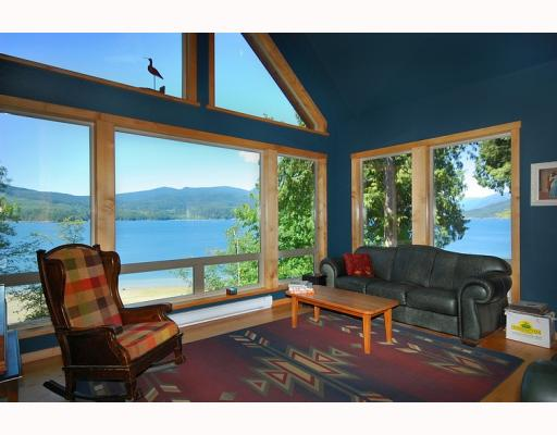 "Photo 7: Photos: 5954 TILLICUM BAY Road in Sechelt: Sechelt District House for sale in ""TILLICUM BAY"" (Sunshine Coast)  : MLS® # V767162"