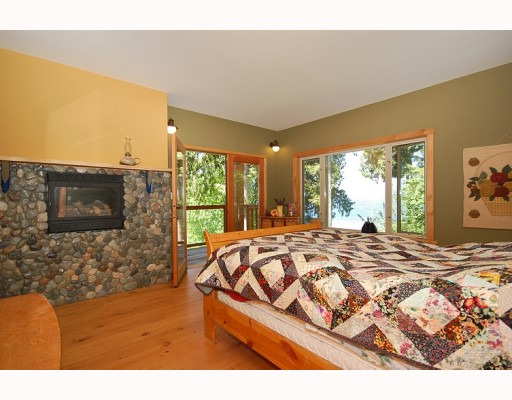 "Photo 9: Photos: 5954 TILLICUM BAY Road in Sechelt: Sechelt District House for sale in ""TILLICUM BAY"" (Sunshine Coast)  : MLS® # V767162"