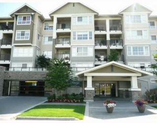 "Main Photo: 217 19673 MEADOW GARDENS Way in Pitt_Meadows: North Meadows Condo for sale in ""THE FAIRWAYS"" (Pitt Meadows)  : MLS® # V778501"