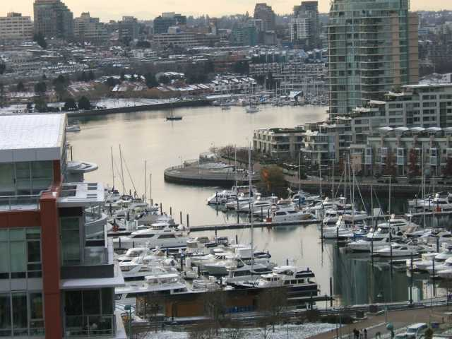 "Main Photo: 1707 918 COOPERAGE Way in Vancouver: False Creek North Condo for sale in ""MARINER"" (Vancouver West)  : MLS®# V792475"