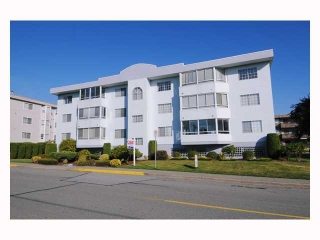 "Main Photo: 304 22241 SELKIRK Avenue in Maple Ridge: West Central Condo for sale in ""SELKIRK PLACE"" : MLS® # V791123"