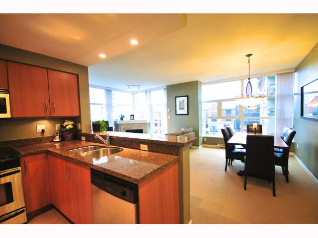 "Photo 2: 401 189 NATIONAL Avenue in Vancouver: Mount Pleasant VE Condo for sale in ""SUSSEX"" (Vancouver East)  : MLS(r) # V819761"