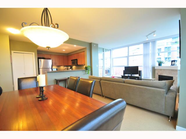 "Photo 3: 401 189 NATIONAL Avenue in Vancouver: Mount Pleasant VE Condo for sale in ""SUSSEX"" (Vancouver East)  : MLS(r) # V819761"