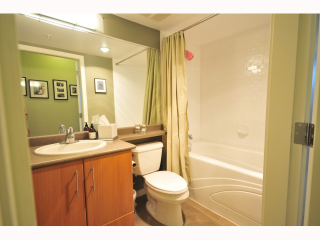 "Photo 7: 401 189 NATIONAL Avenue in Vancouver: Mount Pleasant VE Condo for sale in ""SUSSEX"" (Vancouver East)  : MLS(r) # V819761"