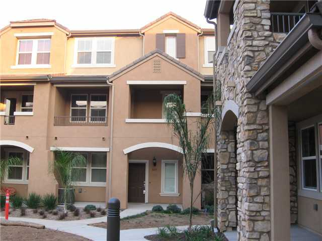 Photo 2: SANTEE Condo for sale : 3 bedrooms : 1415 Rosemonde Lane