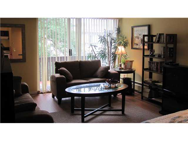"Photo 1: 306 910 5TH Avenue in New Westminster: Uptown NW Condo for sale in ""GROSVENOR COURT"" : MLS(r) # V846025"