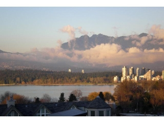 Main Photo: 307 2211 W 2ND Avenue in Vancouver: Kitsilano Condo for sale (Vancouver West)  : MLS® # V857369