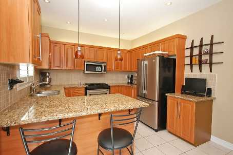 Photo 4: 84 Forecastle Road in Vaughan: House (2-Storey) for sale : MLS® # N1845944