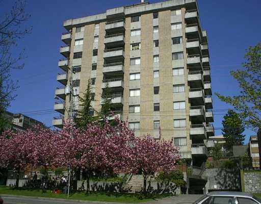 "Main Photo: 402 209 CARNARVON ST in New Westminster: Downtown NW Condo for sale in ""Argyle House"" : MLS(r) # V582115"