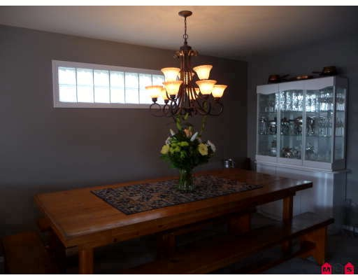 Photo 5: 14722 GOGGS Avenue in White_Rock: White Rock House for sale (South Surrey White Rock)  : MLS(r) # F2902071