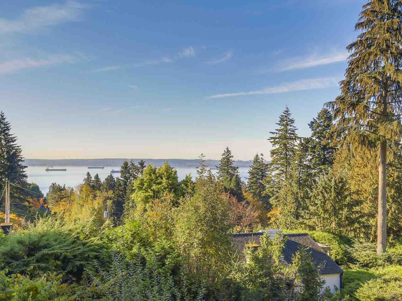 FEATURED LISTING: 2720 ROSEBERY Avenue West Vancouver