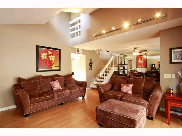 Photo 3: RANCHO BERNARDO Townhome for sale : 3 bedrooms : 17513 CAMINITO CANASTO in San Diego