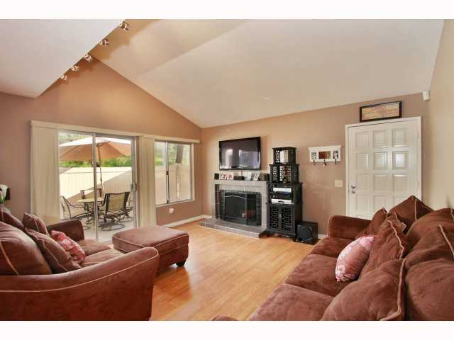 Photo 4: RANCHO BERNARDO Townhome for sale : 3 bedrooms : 17513 CAMINITO CANASTO in San Diego