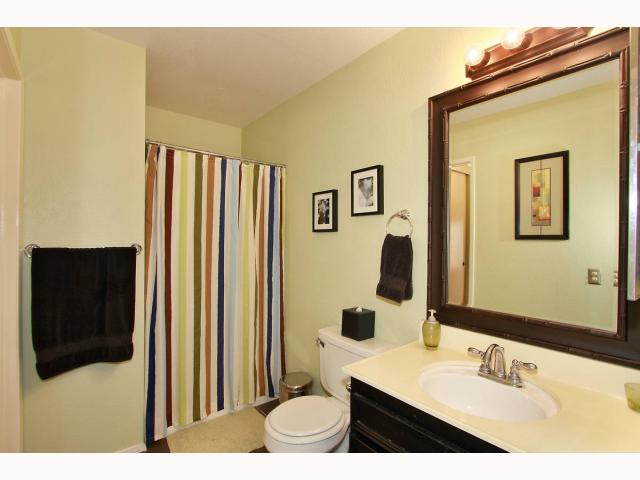 Photo 11: RANCHO BERNARDO Townhome for sale : 3 bedrooms : 17513 CAMINITO CANASTO in San Diego