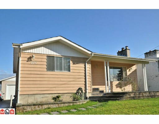 FEATURED LISTING: 2210 MARTENS Street Abbotsford