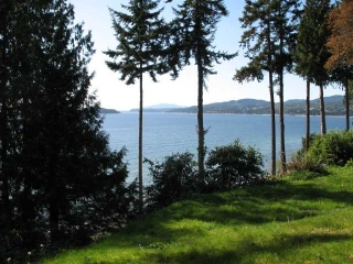 Main Photo: 4923 SUNSHINE COAST Highway in Sechelt: Sechelt District House for sale (Sunshine Coast)  : MLS®# V827267
