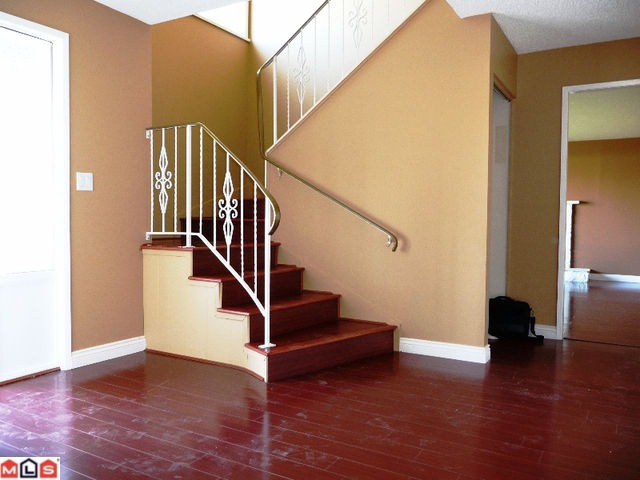 Photo 2: 32634 ROSSLAND Place in Abbotsford: Abbotsford West House for sale : MLS(r) # F1019534