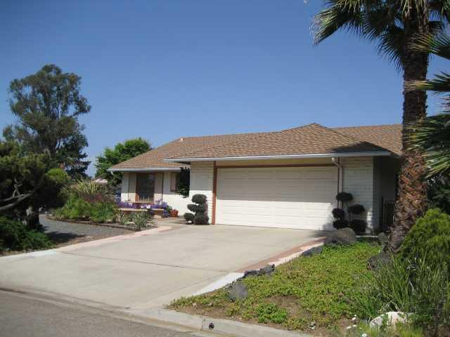 Main Photo: LAKE SAN MARCOS House for sale : 3 bedrooms : 959 San Pablo Drive in San Marcos