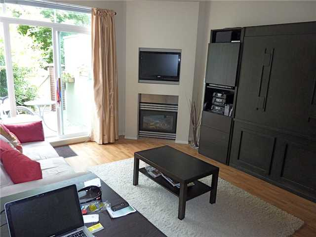"Main Photo: 108 3333 W 4TH Avenue in Vancouver: Kitsilano Condo  in ""BLENHEIM TERRACE"" (Vancouver West)  : MLS® # V839308"