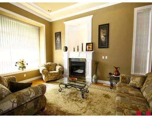 Photo 4: 8108 170TH Street in Surrey: Fleetwood Tynehead House for sale : MLS® # F2818072