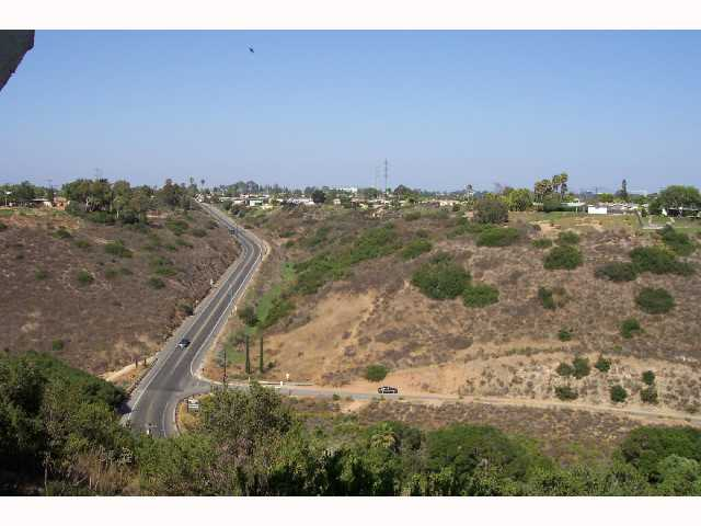 Photo 3: CLAIREMONT Condo for sale : 2 bedrooms : 3089 Cowley #31 in San Diego