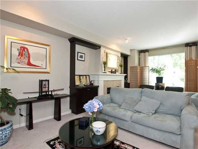 "Photo 2: 6 8415 CUMBERLAND Place in Burnaby: The Crest Townhouse for sale in ""ASHCOMBE"" (Burnaby East)  : MLS® # V843718"