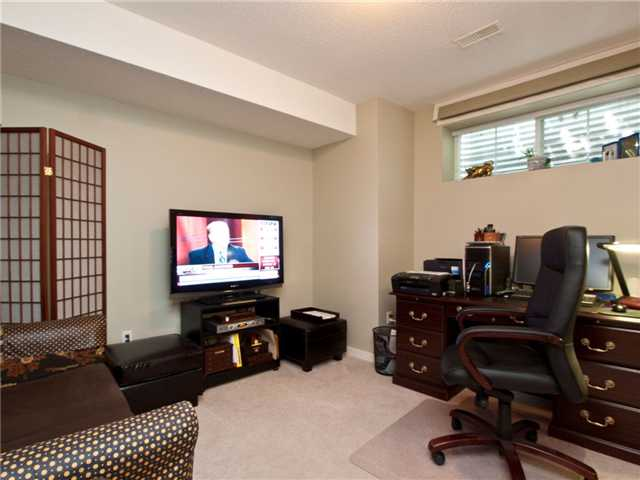 "Photo 5: 6 8415 CUMBERLAND Place in Burnaby: The Crest Townhouse for sale in ""ASHCOMBE"" (Burnaby East)  : MLS® # V843718"