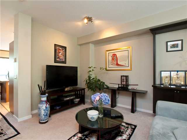"Photo 4: 6 8415 CUMBERLAND Place in Burnaby: The Crest Townhouse for sale in ""ASHCOMBE"" (Burnaby East)  : MLS® # V843718"