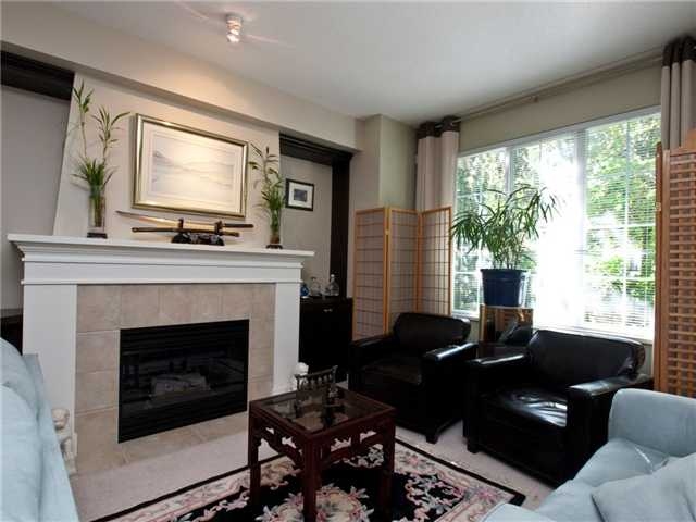 "Photo 3: 6 8415 CUMBERLAND Place in Burnaby: The Crest Townhouse for sale in ""ASHCOMBE"" (Burnaby East)  : MLS® # V843718"