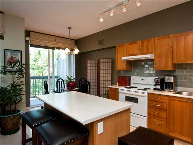 "Photo 7: 6 8415 CUMBERLAND Place in Burnaby: The Crest Townhouse for sale in ""ASHCOMBE"" (Burnaby East)  : MLS® # V843718"