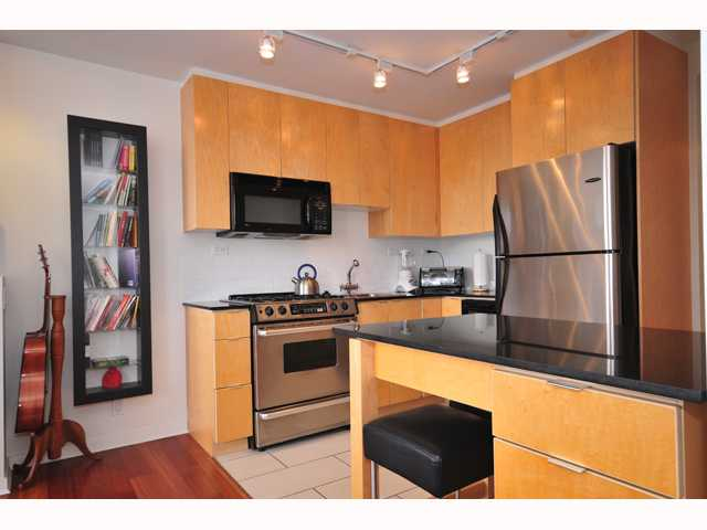 "Main Photo: 1704 989 BEATTY Street in Vancouver: Downtown VW Condo for sale in ""NOVA"" (Vancouver West)  : MLS® # V815922"