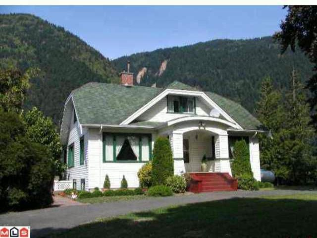 Main Photo: 39963 N PARALLEL Road in Abbotsford: Sumas Mountain House for sale : MLS(r) # F1011208