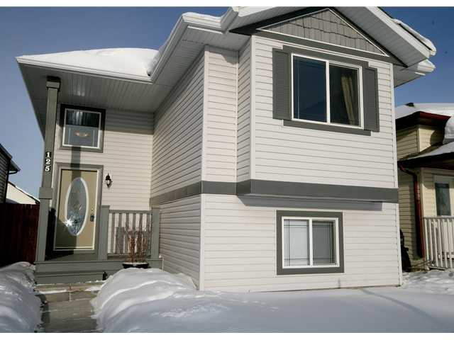 FEATURED LISTING: 125 TARACOVE Way Northeast CALGARY